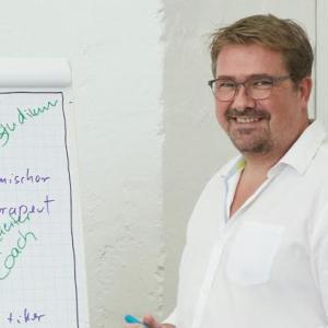 Claus Brune: Karrieretherapie - zufrieden leben und arbeiten